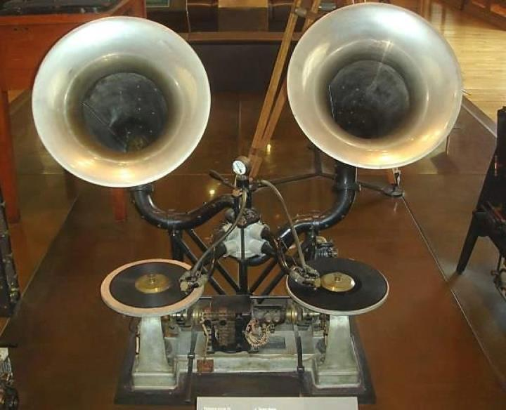 This is a Gaumont Chronophone early talkie apparatus which allowed showing of consecutive reels through the unique use of dual turntables. C. 1911