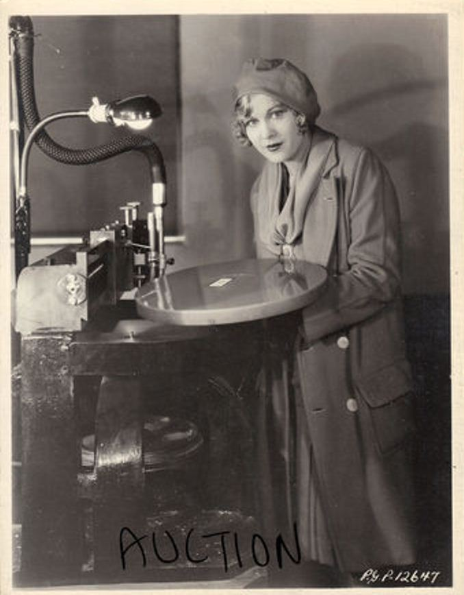 Esther Ralston using a Vitaphone disc recording on the Paramount lot.